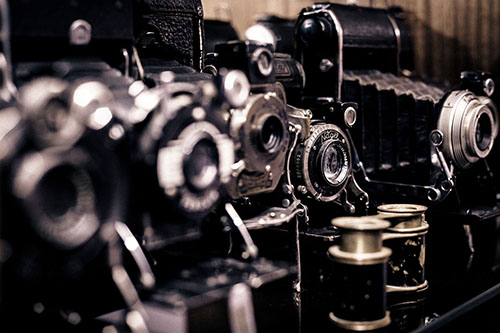 Vintage Cameras by Unsplash at Pixabay